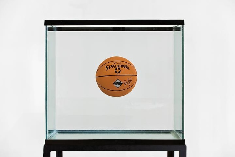 Jeff-Koons-One-Ball-Total-Equilibrium-1985-1980s-Revisited-Skarstedt-Gallery